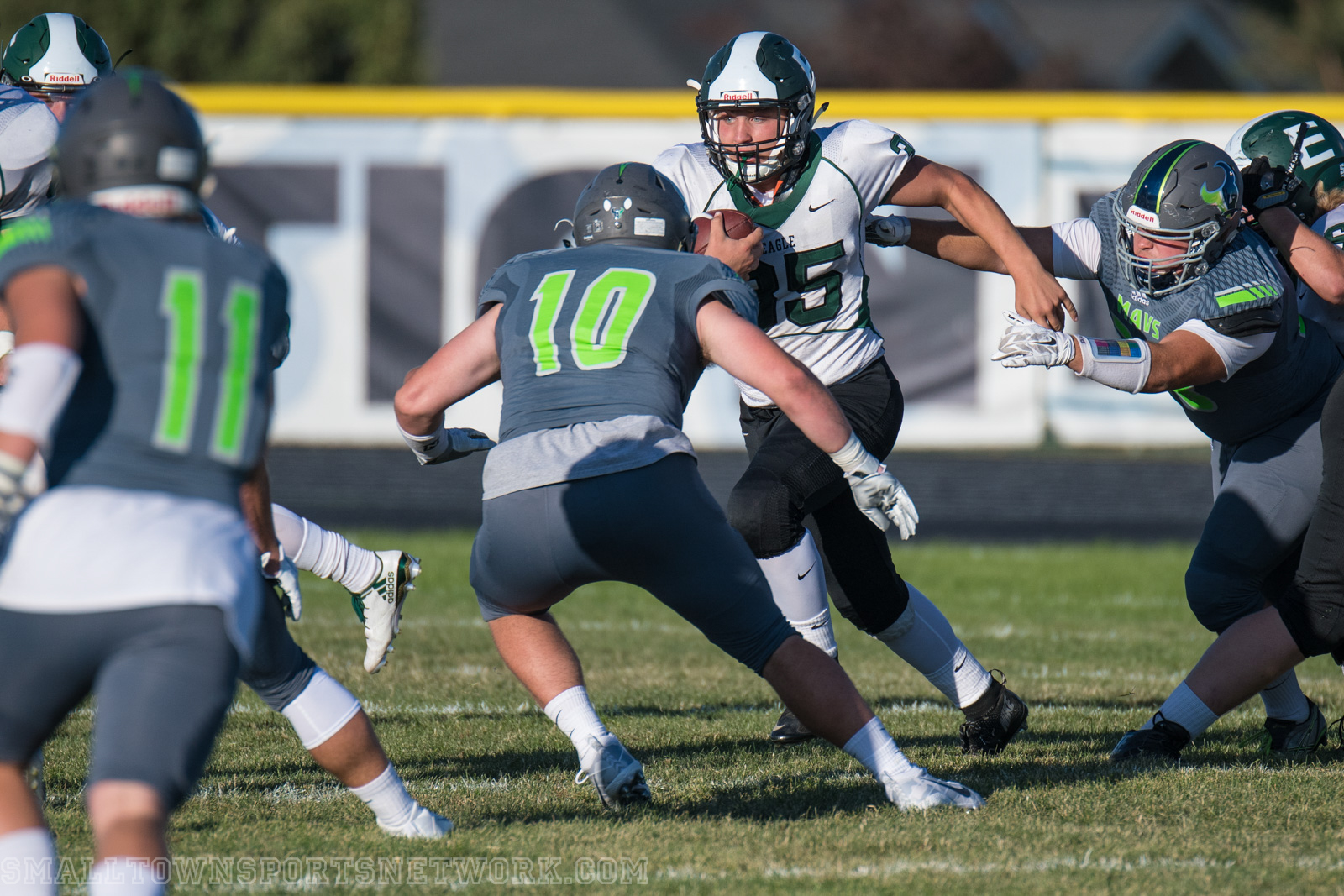 Mountain View Mavericks Fall To Eagle Mustangs